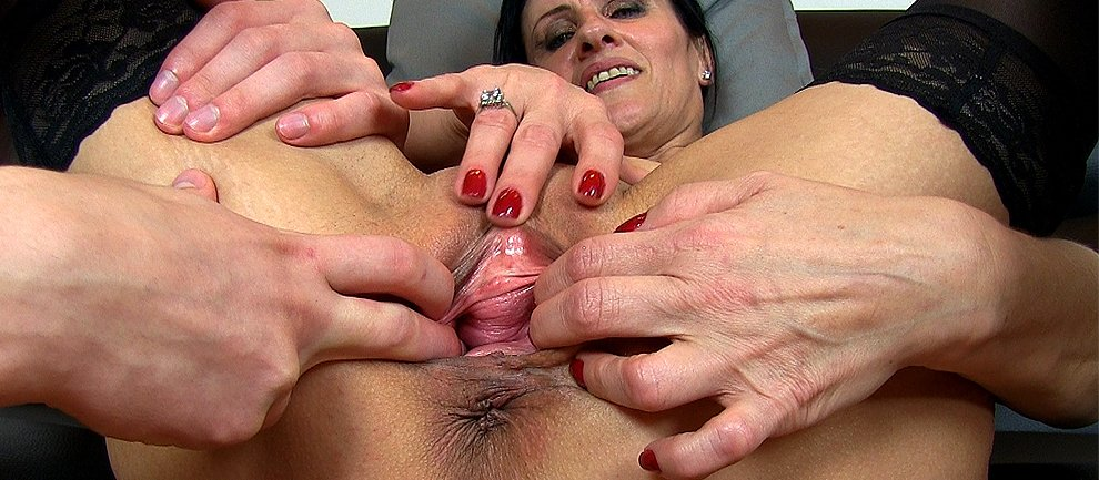 Close Up Hairy Pussy Fingering